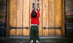 door-closed-w-little-boy